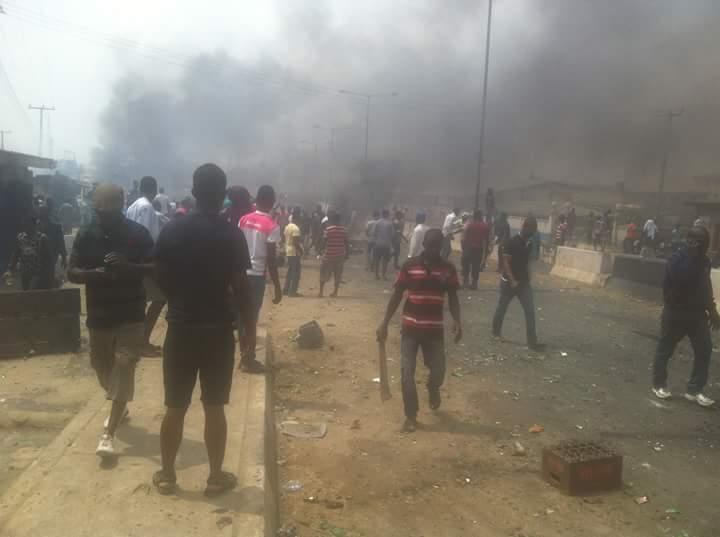 Yoruba-Vs-Hausa-Fight-In-Mile-12-Lagos