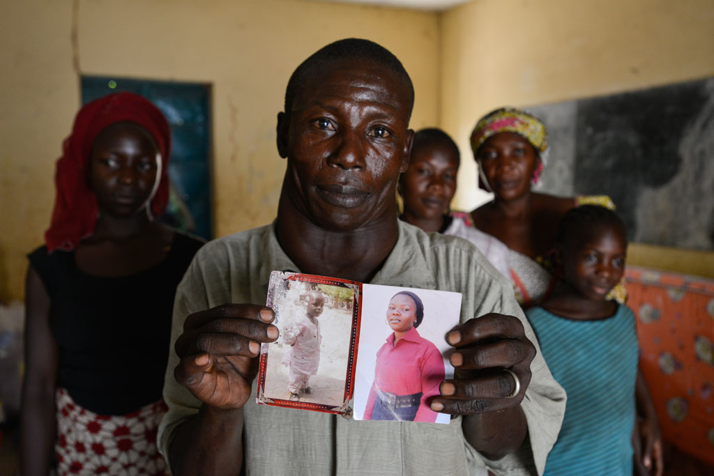 fatehr of chibok girl with photograph